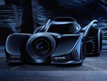 Черное крыло: как менялся автомобиль Бэтмена