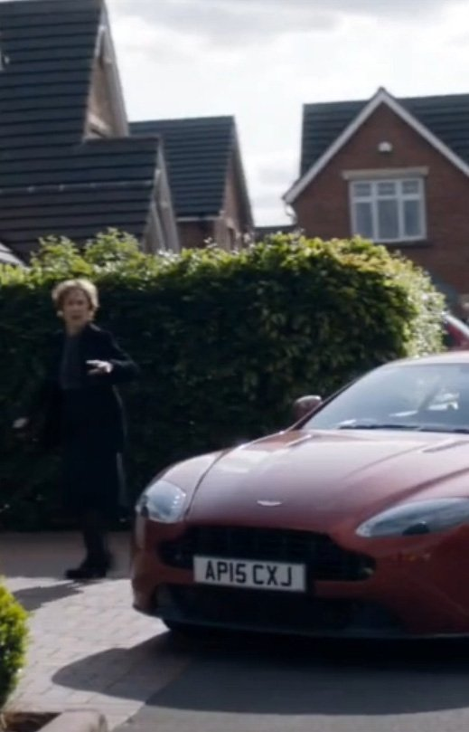 Почему миссис Хадсон— главный злодей «Шерлока». - Изображение 2