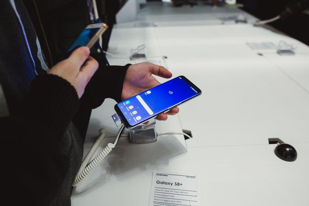 Samsung провела торжественный старт продаж смартфонов Galaxy S8 и S8+. - Изображение 3