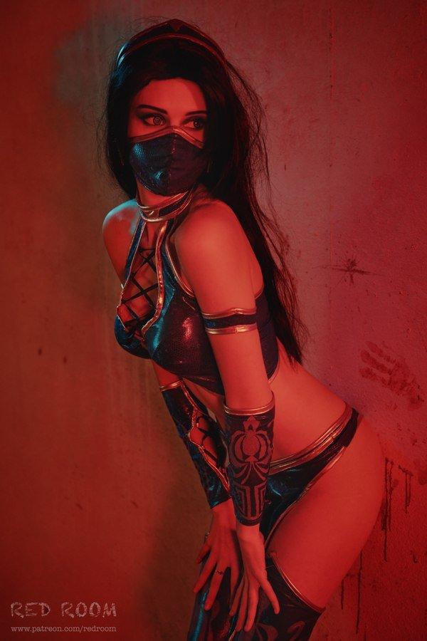 Косплей дня: Китана из Mortal Kombat - Изображение 5