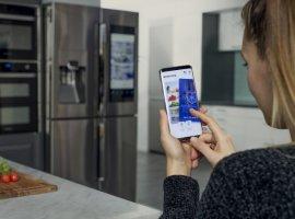 Пользователи сервиса знакомств Samsung Refrigerdating оценивают фото чужих холодильников