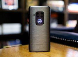 Motorola One Zoom— возможно, лучший пятикамерный смартфон для фотографий