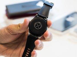 ВСети появилось фото смарт-часов Samsung Galaxy Sport— круглая копия Apple Watch cNFC иBixby