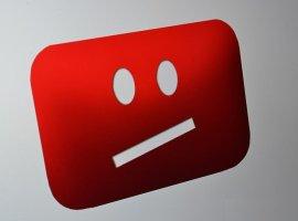 СМИ пишут ожутких появлениях Момо вдетских роликах наYouTube. Компания отрицает