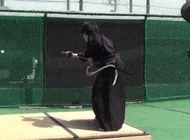 Самурай рубит бейсбольный мяч на скорости 160 км/ч