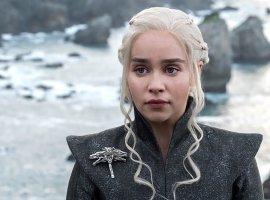 Эмилия Кларк рассказала, чтобы она хотела стащить сосъемочной площадки «Игры престолов»