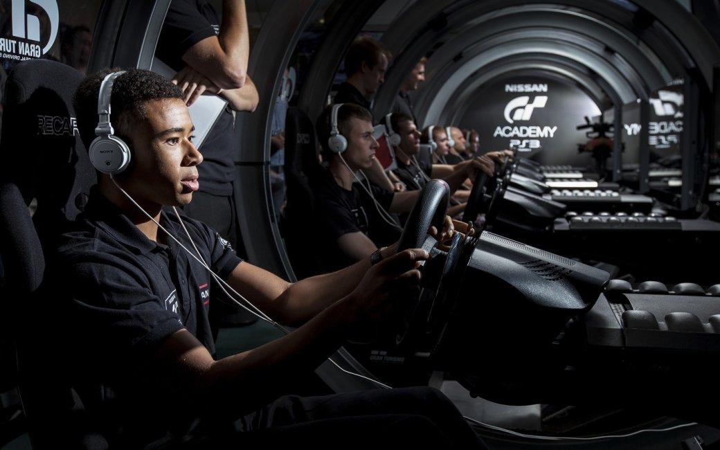 Автоспорт виграх ивжизни: играютли пилоты болидов вгонки? | Канобу