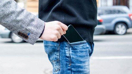 Наконцерте вПитере узрителей украли 20 «айфонов»