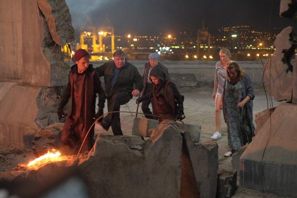 «СуперБобровы 2»— ужасное кино для россиян озападной «супергеройской ерунде» | Канобу - Изображение 3