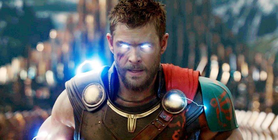 Умно, красиво, но небезопасно для здоровья: косплеер научился светить глазами, как Тор у Marvel | Канобу - Изображение 7723