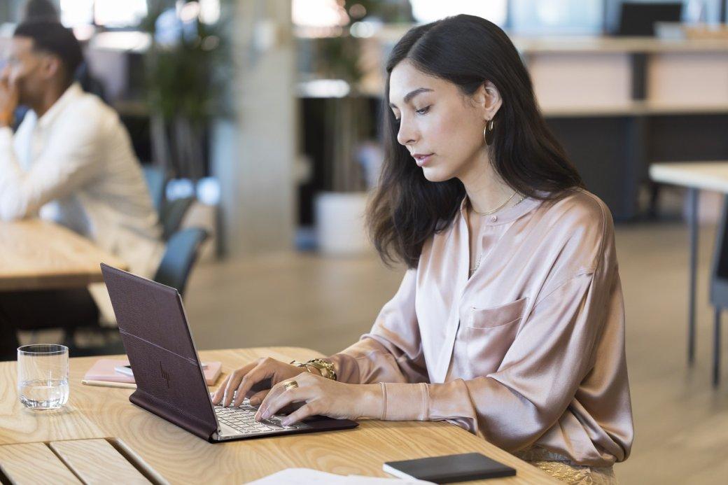 ВРоссии начались продажи кожаного ноутбука-трансформера HPSpectre Folio | Канобу - Изображение 1